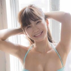 """""""Gカップ8頭身""""小倉優香、スタイリッシュでエロティックなかつてない姿"""