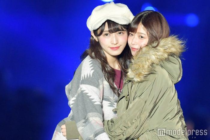 「TGC KITAKYUSHU 2017 by TOKYO GIRLS COLLECTION」に出演した渡辺梨加&渡邉理佐 (C)モデルプレス