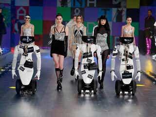 ドルチェ&ガッバーナ ロボットのショーを開催
