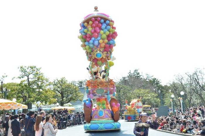 高さ12mの気球のフロート/ハピネス・イズ・ヒア