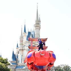 東京ディズニーランド/ヒロ、ベイマックス/パレード「ドリーミング・アップ!」(C)モデルプレス(C)Disney