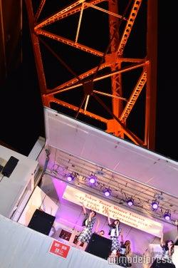ラストアイドル「LaLuce」東京タワーの下で野外ライブ(C)モデルプレス