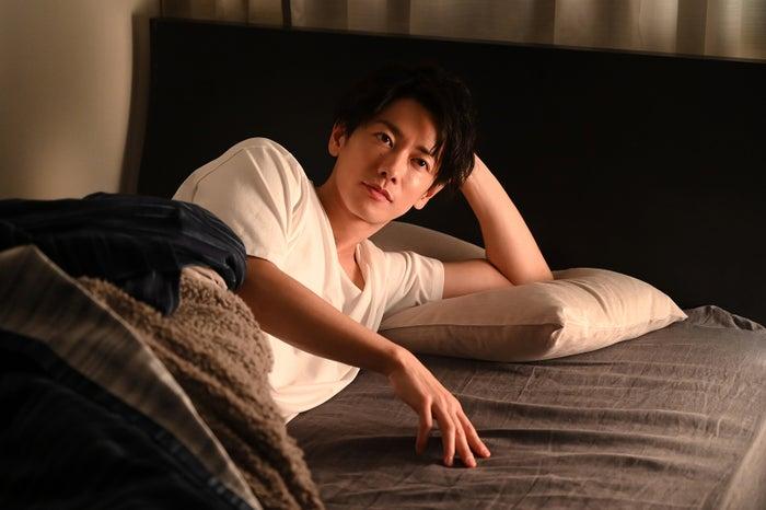 シーン 佐藤健 ベッド