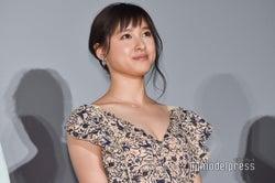 """土屋太鳳、胸元大胆SEXYミニドレスで登場 """"初めて""""やりたいことは?"""