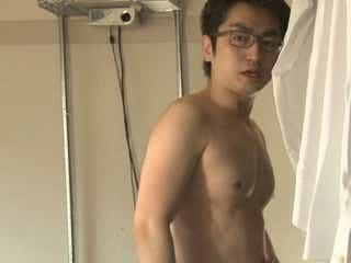 芥川賞作家・羽田圭介、鍛え上げられた肉体があらわに