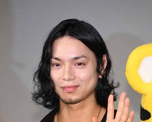 """水嶋ヒロ、妻・絢香が印字された""""白い恋人""""に『…とりあえず1000個買います』夫婦愛にファンも「ラブラブでかわいい」「愛を感じます!」"""