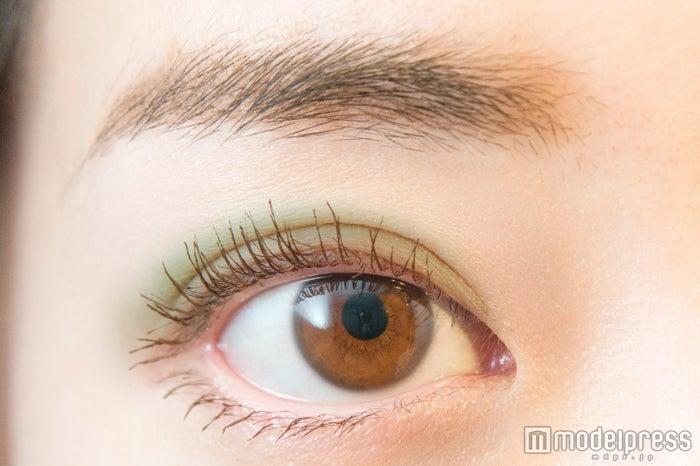 ルナソル マカロングロウアイズ02 Green Tea(C)モデルプレス ※発色イメージ
