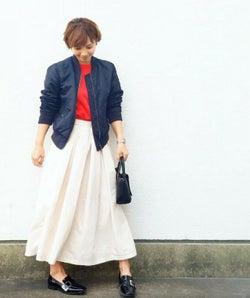 ロング丈の白スカートを軽やかに着こなそう♥ ふんわり爽やか&きれいめな着こなし8選