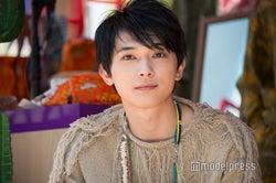 """モデルプレス - 吉沢亮""""買い物デート""""再現にファン悶絶「彼氏だったら最高」「可愛い」の声"""