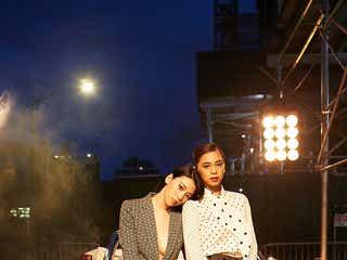 """三吉彩花&E-girls佐藤晴美、NYコレでクールすぎる2ショット """"ブラレス""""スタイルにも注目集まる"""