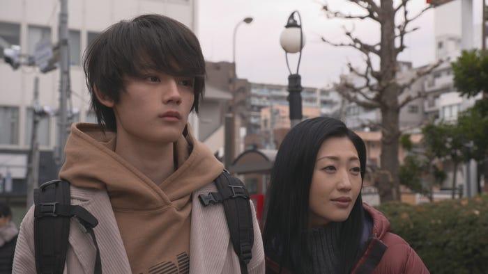 藤原大祐、壇蜜/ドラマ『中3、冬、逃亡中。』より(C)ひかりTV