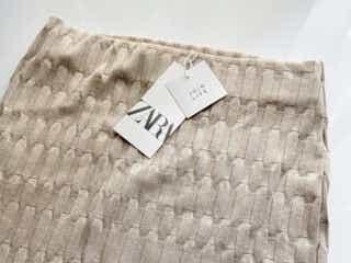 上品なのに履き心地よすぎる!ZARAの「3590円スカート」は」オンオフ使えてめっちゃ優秀!
