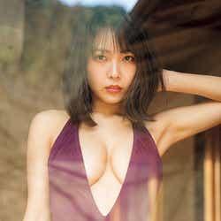 モデルプレス - 寺本莉緒、水着で弾ける豊満バスト 19歳等身大の魅力