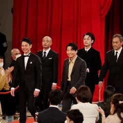 宇野祥平、妻夫木聡、成田凌、星野源、渡辺謙(C)日本アカデミー賞協会