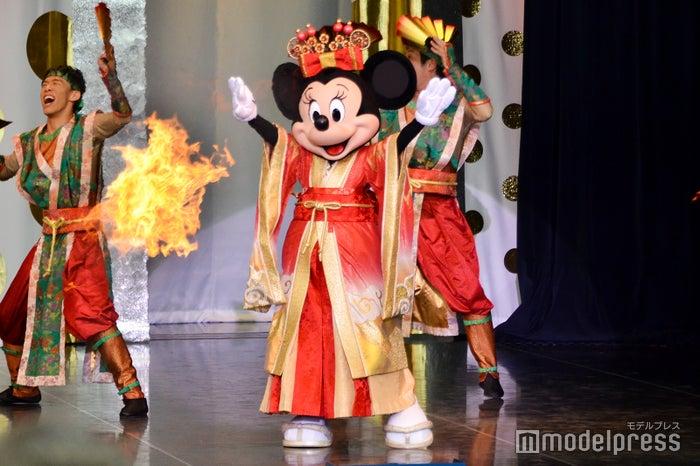 メドレー(ボンファイアーダンス)/「イッツ・ベリー・ミニー!」(C)モデルプレス(C)Disney