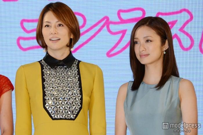 (左から)米倉涼子、上戸彩