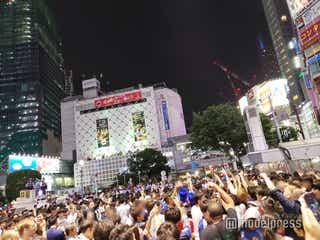 【渋谷大パニック】W杯・日本勝利「絶対にあきらめなかった日本、感動をありがとう」 歓喜の瞬間は数百人の警察官投入で厳戒態勢【サッカー・ワールドカップ 渋谷スクランブル交差点】
