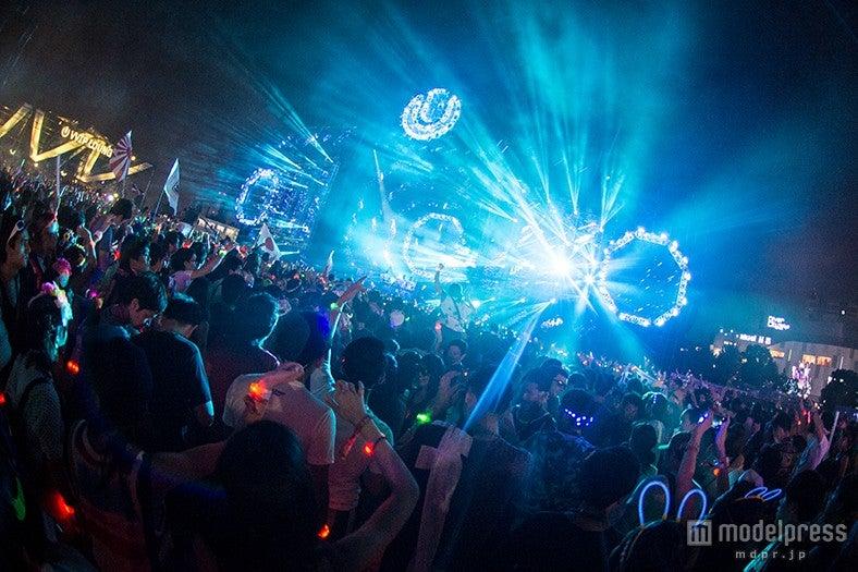 Armin van buuren「ULTRA JAPAN」初日のトリ飾る Mr.Probsもサプライズ登場で熱唱【モデルプレス】