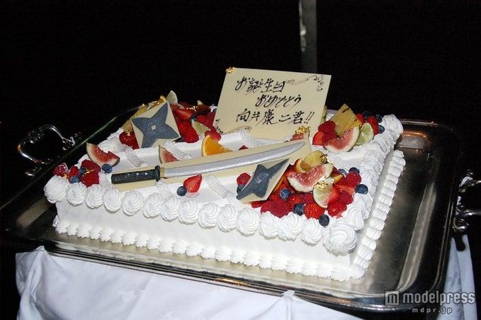 関西ジャニーズJr.・向井康二に向けた誕生日ケーキ/映画「忍ジャニ参上!未来への戦い」の大ヒット御礼舞台挨拶