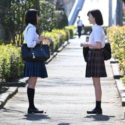 上白石萌歌・永野芽郁/「3年A組 ―今から皆さんは、人質です―」第9話より(C)日本テレビ