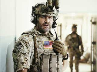 デヴィッド・ボレアナズ、『SEAL Team』をシーズン5に更新させよう!とファンに懇願