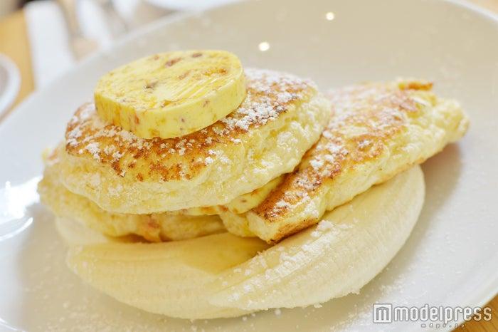 スフレのような食感に、リコッタチーズの爽やかなコク、ハニーコムバターの豊かな風味が絶品(C)モデルプレス