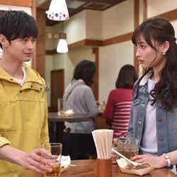 瀬戸康史、大政絢「私 結婚できないんじゃなくて、しないんです」第8話・場面カット(C)TBS