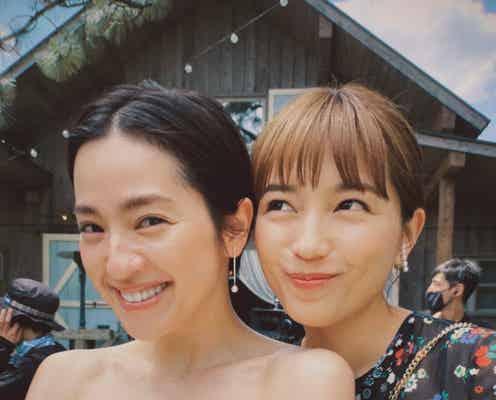 「着飾る恋」中村アン、ウエディングドレス姿で川口春奈と密着2ショット「羽瀬ちゃんおめでとう」