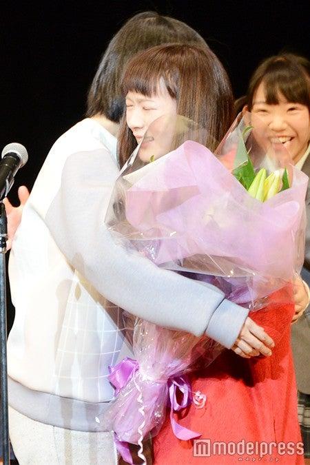 「ミスiD2015」グランプリの水野しず、保紫萌香さん(C)モデルプレス
