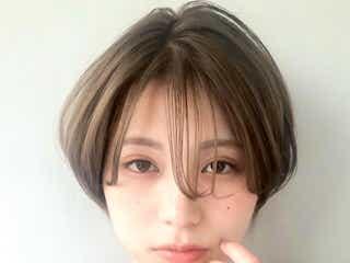 ハンサムショート×ハイライトのヘアスタイル15選。大人女性におすすめしたい髪色