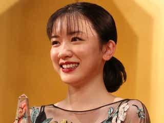 永野芽郁、霜降り明星の魅力を語る 「お互いの発言で笑い合ってる姿が素敵」