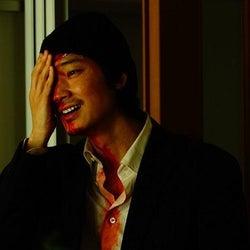 綾野剛が不敵な笑みを浮かべる「ホムンクルス」場面写真が解禁に Netflixでの配信も決定