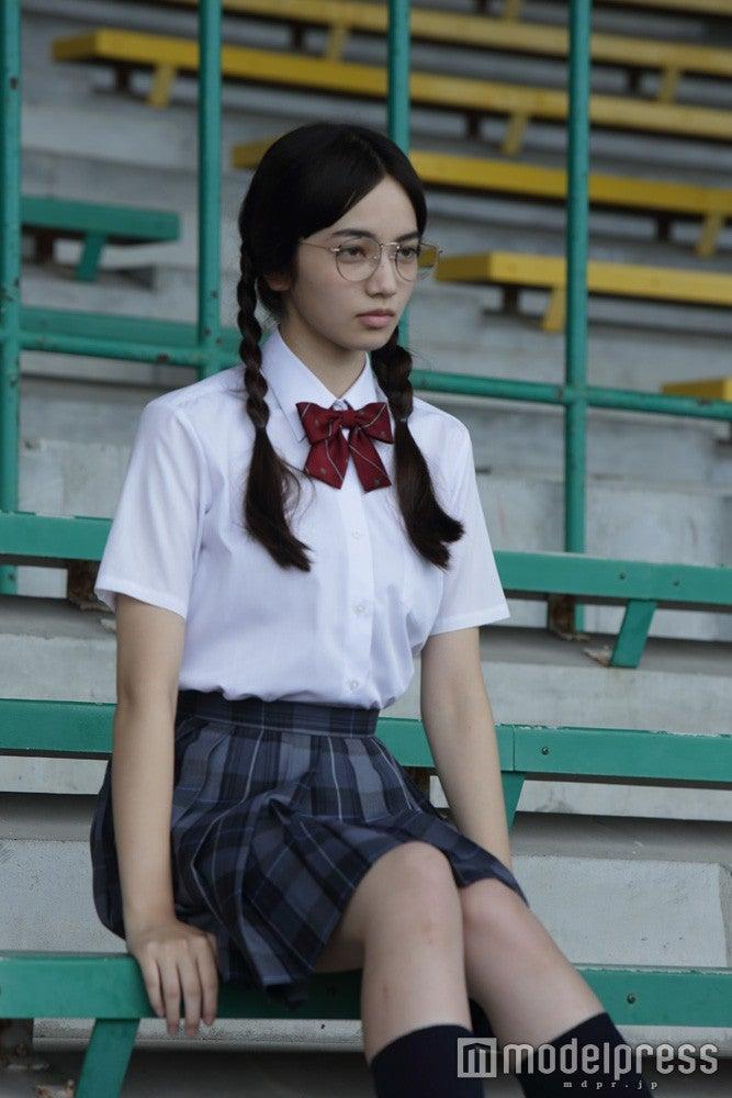 眼鏡 女子高生  地味 高校生女子の好奇心を深堀りするブログ