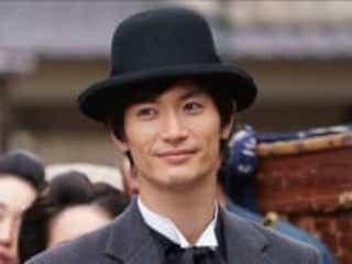 三浦春馬さん、主演映画で「精一杯最高の芝居」 田中光敏監督、完成披露で故人を偲ぶ