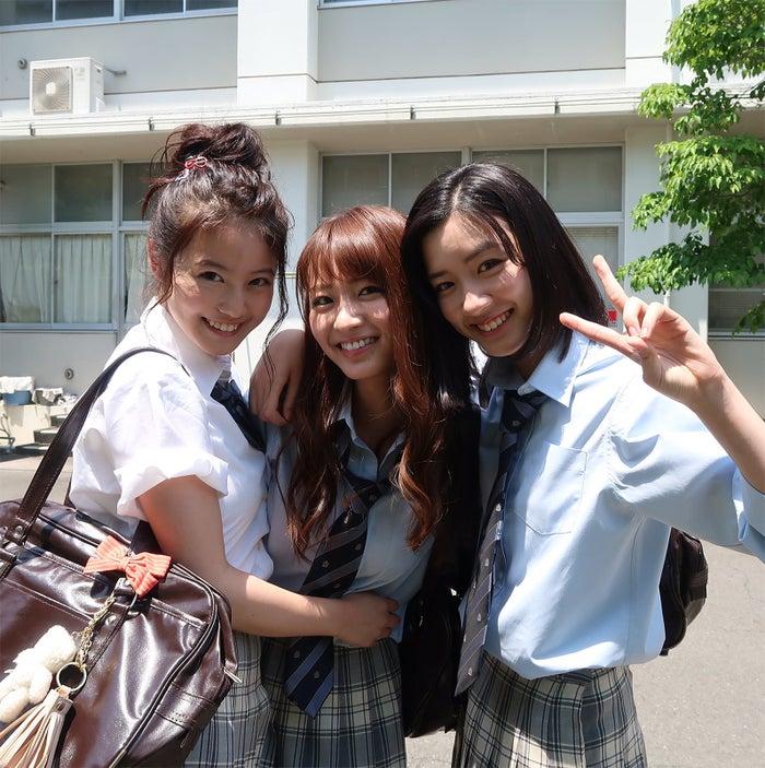 (左から)今田美桜、岡崎紗絵、永野芽郁(画像提供:関西テレビ)