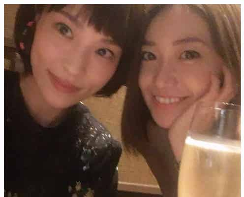 """大島優子、""""姉""""からのおさがりに喜び「さすがあさゆう姉妹」「胸が熱い」仲良しぶりに反響"""