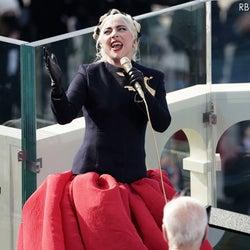レディー・ガガ、バイデン次期大統領の就任式で国歌独唱!ジェニファー・ロペスもパフォーマンス