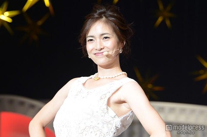 AKB48のダンスを披露した元大人AKB48の塚本まり子 【モデルプレス】