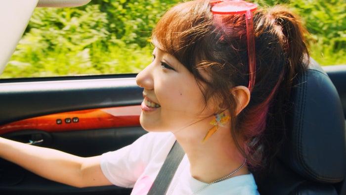 柏木由紀 2018年(変革の年)AKB48「サステナブル」MV(C)AKS/キングレコード
