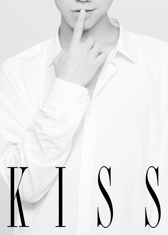 写真集「KISS」(画像提供:Mファクトリー)
