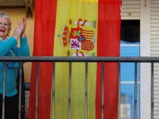 スペイン、新型ウイルスの「ピーク間もなく通過」か 死者の減少続く