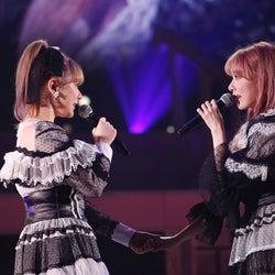 村重杏奈、宮脇咲良「宮脇咲良 HKT48 卒業コンサート ~Bouquet~」(C)Mercury