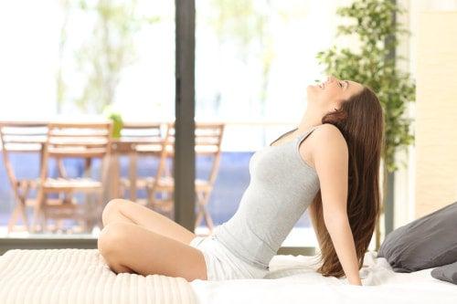 呼吸を整える女性