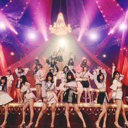 """モデルプレス - AKB48史上最も危険なMV完成 脚線美際立つ""""超絶セクシー路線""""で誘惑<「Teacher Teacher」MV・アー写・ジャケ写解禁>"""
