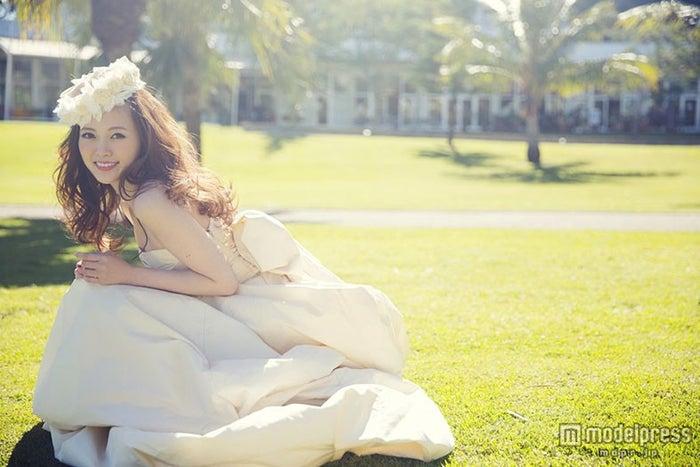 白石麻衣、初のフォトブックが発売前に重版決定(画像提供:主婦の友社)【モデルプレス】