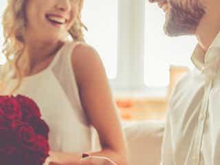 女性をジッと見つめる男性の心理・5つ