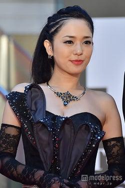 セクシー女優・蒼井そら、結婚を発表 2ショット公開