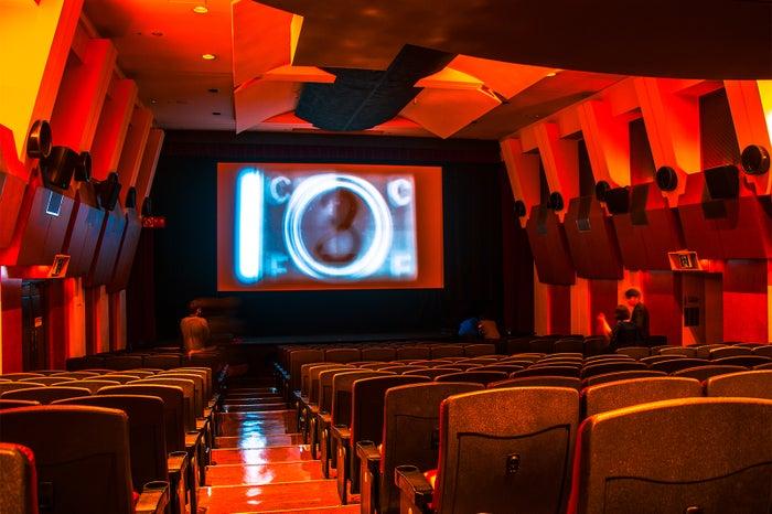 日本初!渋谷の映画館がフロアになるDJパーティ エンドロールに名前が流れる仕掛けも/画像提供:PARTIS