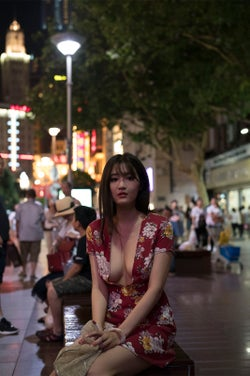 葉加瀬マイ/写真集『愛玩』より(画像提供:光文社)