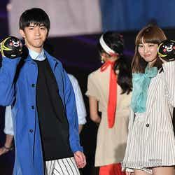 (左)甲斐翔真 (C)モデルプレス